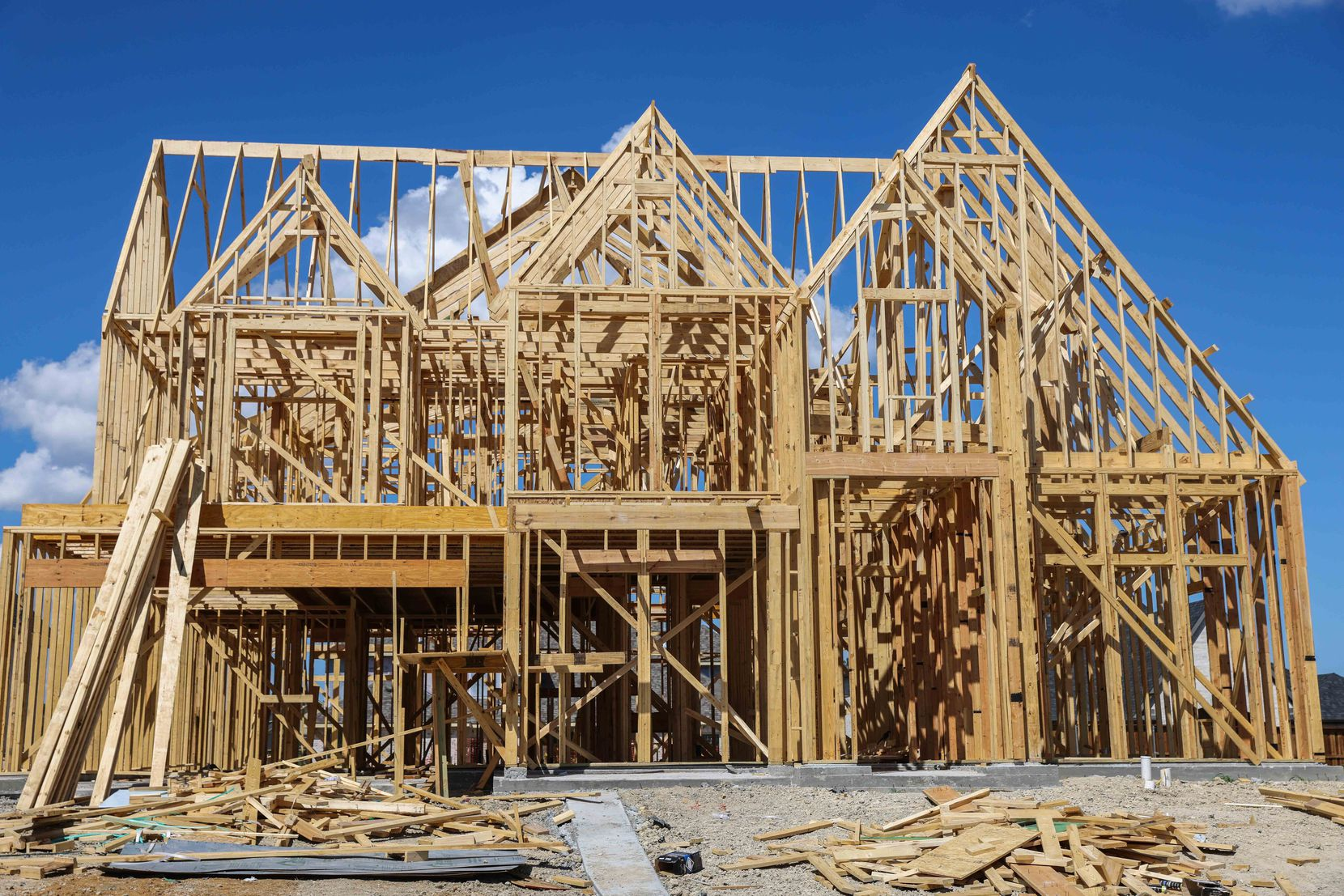 North Texas home construction isn't keeping up with population growth.  (Lola Gomez/The Dallas Morning News)