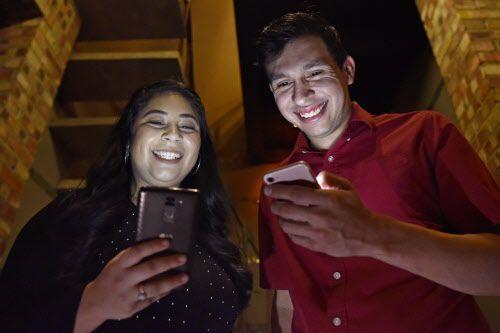 Las ' apps' no funcionaron para Anjéica Fraga y Mateo Granados. Para ellos, Facebook fue más efectivo.