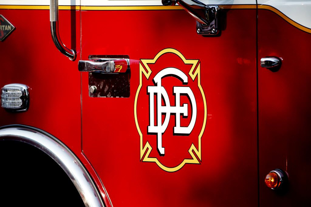 Image of a Dallas Fire-Rescue engine during a call in Dallas Thursday June 9, 2016. (Andy Jacobsohn/The Dallas Morning News)