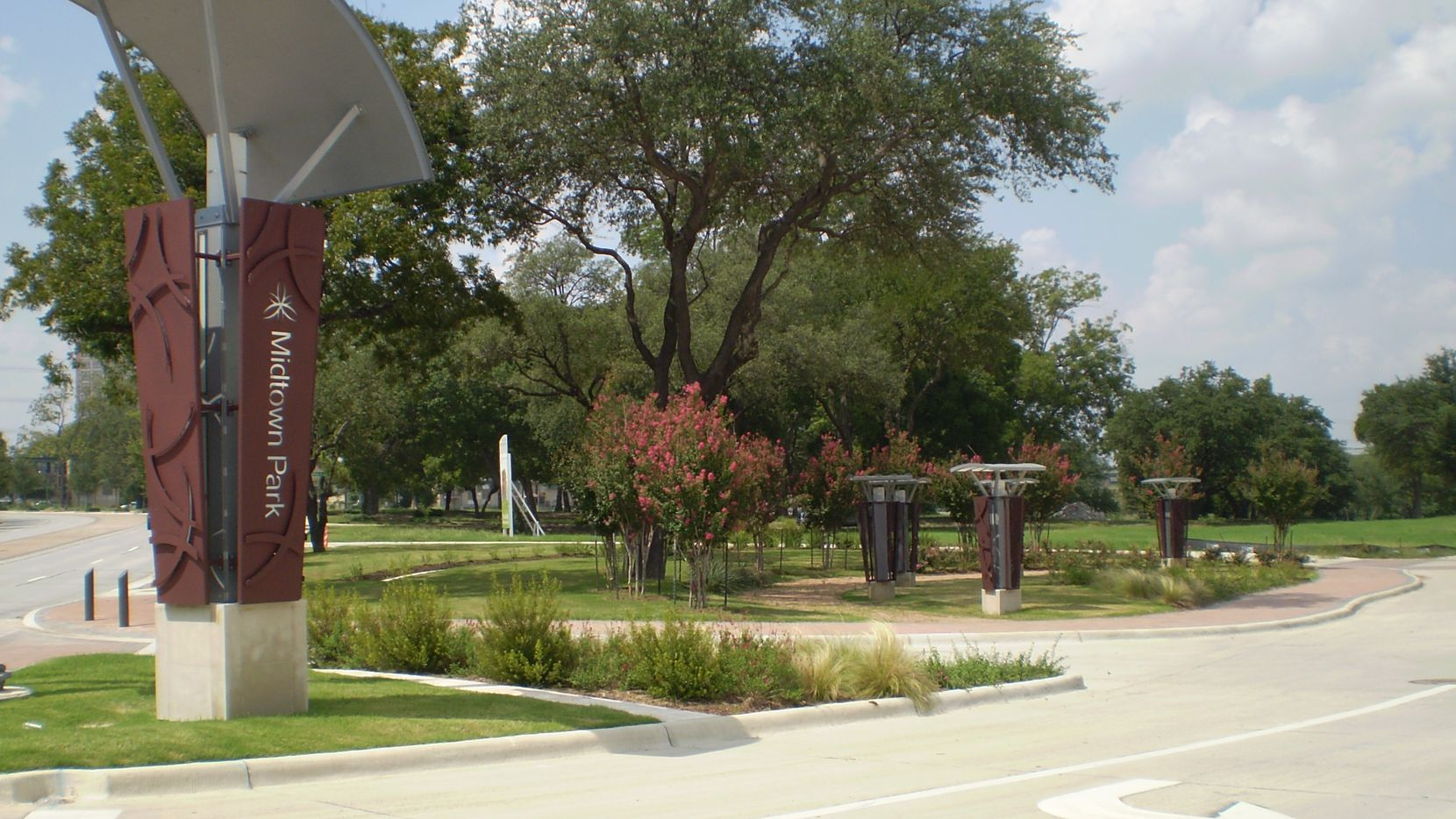 Developers have built thousands of new homes and apartments in the Midtown Park area on Meadow Road in North Dallas .