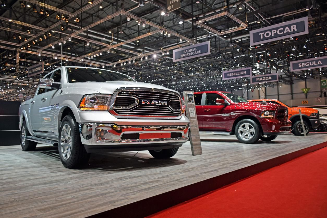 Camionetas RAM 1500 en un Auto Show en Suiza.(GETTY IMAGES)