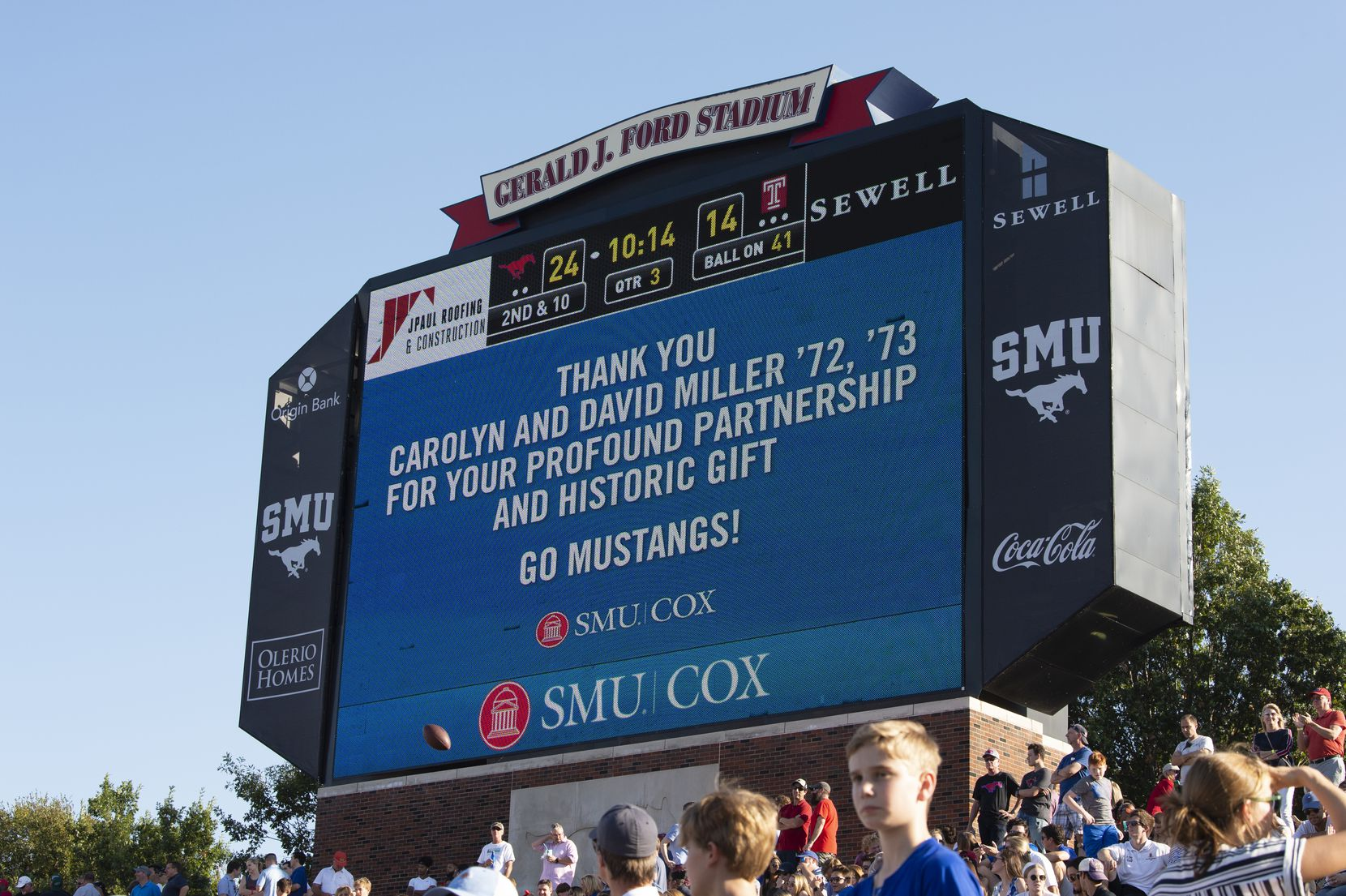 SMU posted a thank you to Carolyn and David B. Miller at its football game at Gerald J. Ford Stadium on Oct. 19.