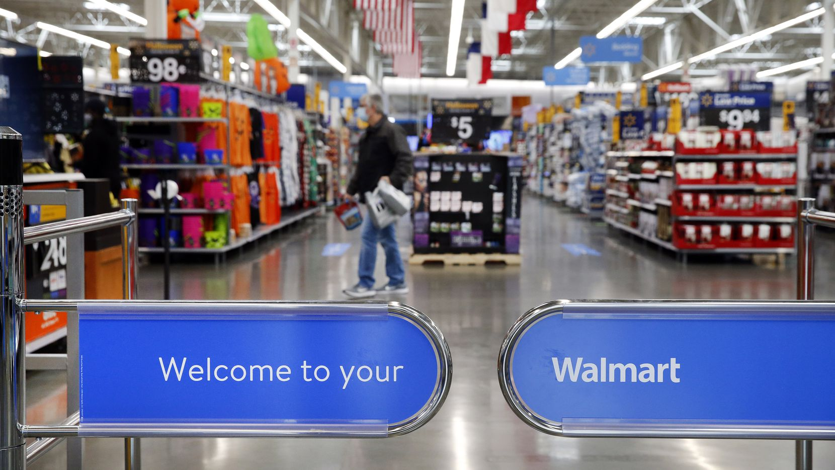 Walmart Is Going Local To Speed Up Online Orders From Its Stores
