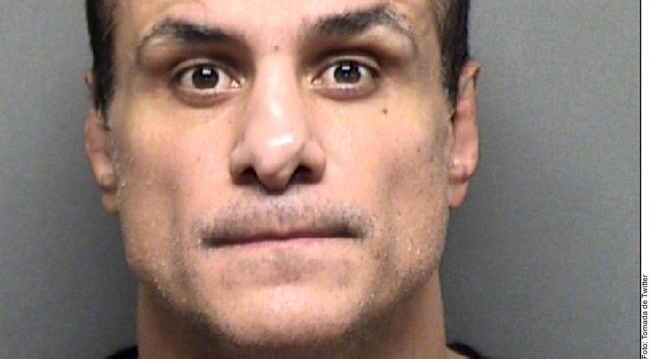 El luchador mexicano Alberto del Río fue detenido en San Antonio, Texas, después que una mujer se presentó con fotografías asegurando que la golpeó y agredió sexualmente.