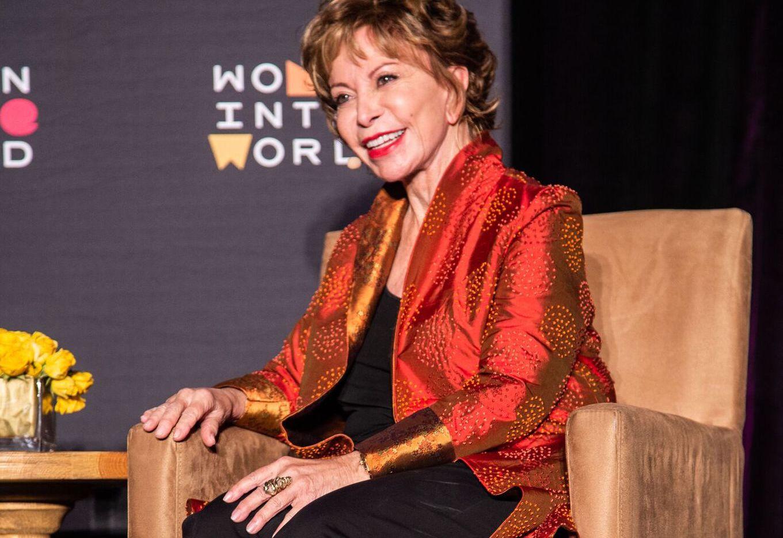 """Isabel Allende fotografiada en Dallas durante su participación en el evento """"Women in the World"""", el 5 de Noviembre en el Museo de Arte de Dallas. Foto: suministrada."""