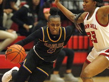 Richardson High School guard Callie Cooper (0) handles the basketball during the first half as Cedar Hill High School hosted Richardson High School in a Class 6A bi-district girls basketball game at Skyline High School in Dallas on Tuesday night, February 18, 2020.