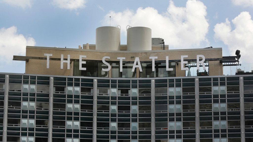 The Statler hotel is closing R&B, a ramen and bao restaurant in downtown Dallas.