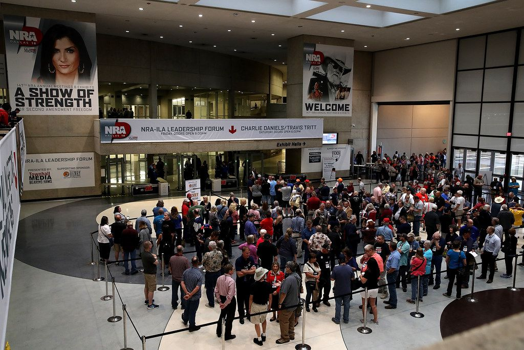 Attendees line up to enter the NRA-ILA Leadership Forum during the NRA Annual Meeting & Exhibits at the Kay Bailey Hutchison Convention Center on May 4, 2018 in Dallas, Texas. (Photo by Justin Sullivan/Getty Images)