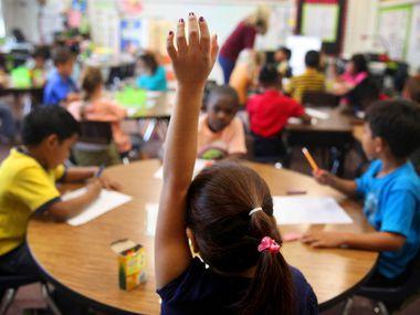Escuelas de Plano pidieron a sus alumnos que entren en cuarentena si viajaron a países con muchos casos de coronavirus.