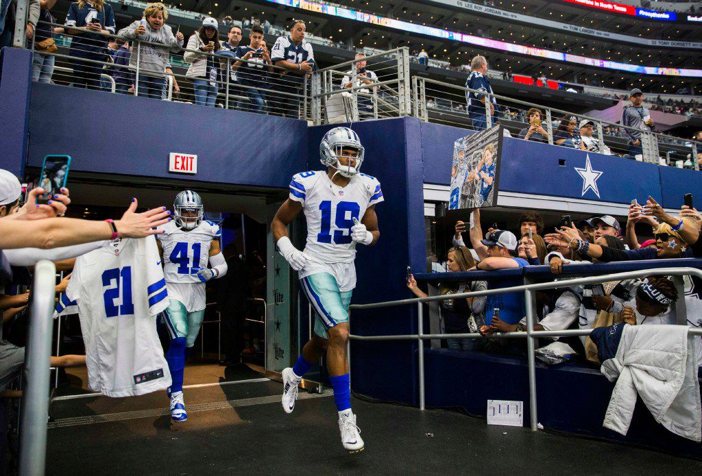Dallas Cowboys wide receiver Brice Butler (19) enters the field for their game against the Baltimore Ravens on Sunday, November 20, 2016 at AT&T Stadium in Arlington, Texas.  (Ashley Landis/The Dallas Morning News)