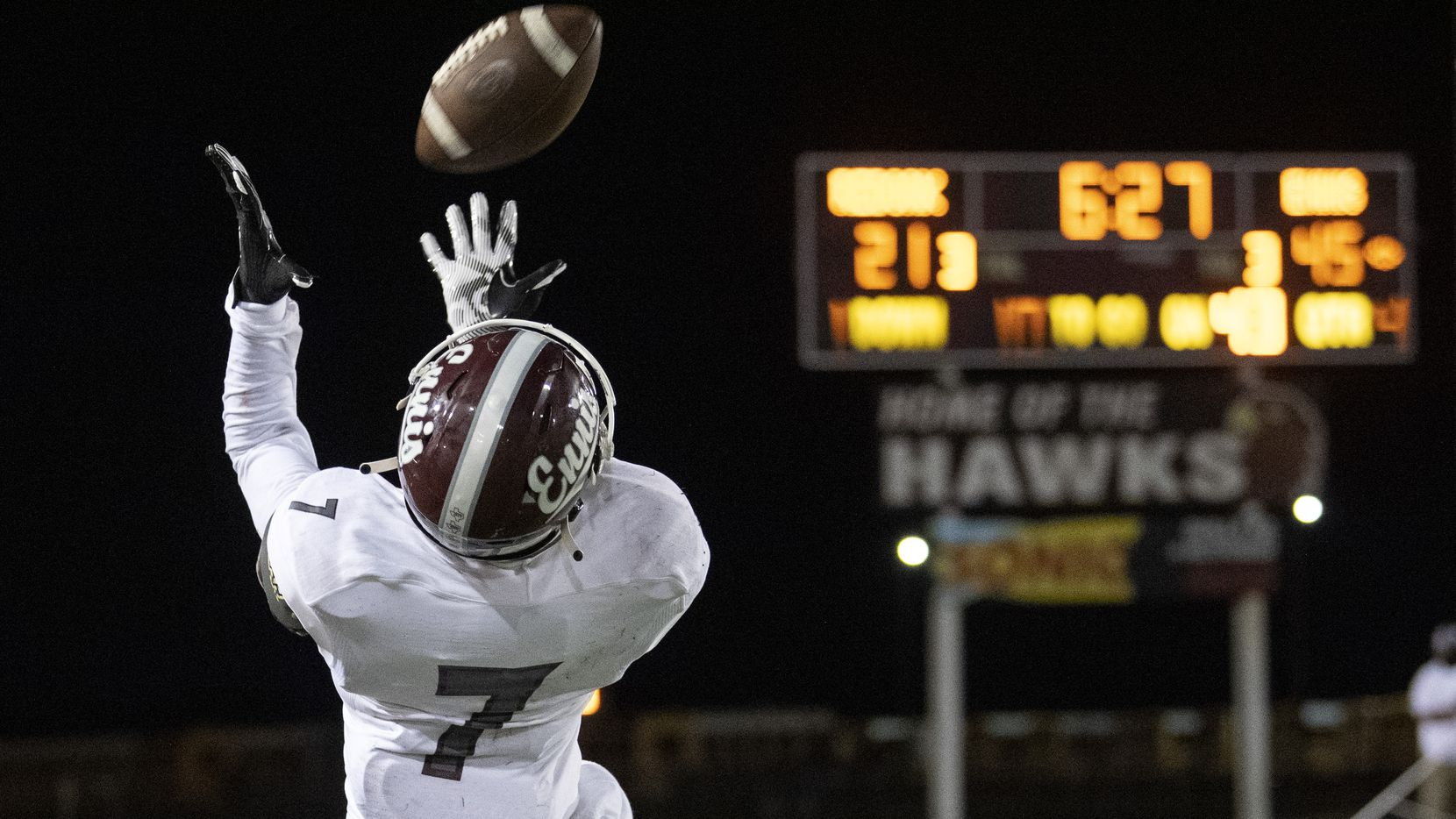 Ennis senior wide receiver Laylon Spencer (7) hauls in a pass from quarterback Collin Drake during the second half of a high school football game against Red Oak on Friday, September 25, 2020 at Billy Goodloe Stadium in Red Oak, Texas. (Jeffrey McWhorter/Special Contributor)