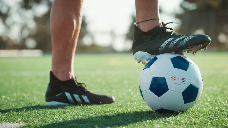 Corporaciones como PepsiCo están involucradas en el desarrollo del futbol a nivel local.