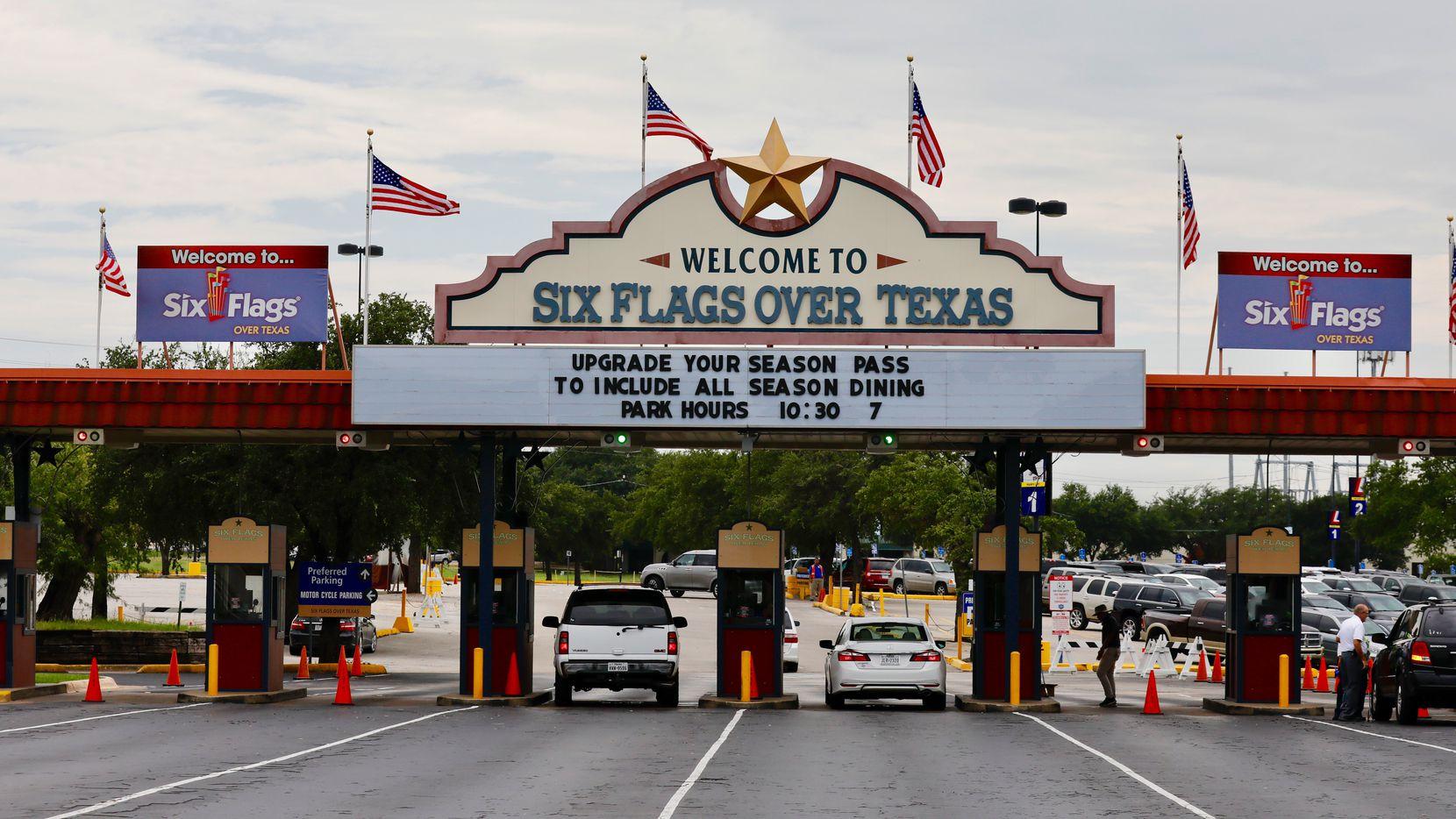 Six Flags Over Texas estará cerrado hasta finales de marzo de 2020 por coronavirus.
