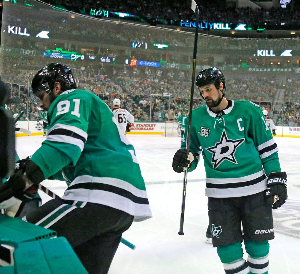 Dallas Stars Tyler Seguin (91) and Jamie Benn (14) are pictured during the Anaheim Ducks vs. the Dallas Stars NHL hockey game at the American Airlines Center in Dallas on Friday, March 9, 2018. (Louis DeLuca/The Dallas Morning News)