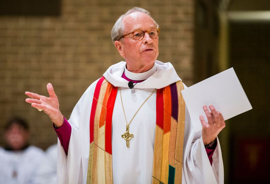 The Right Rev. Gene Robinson delivers the sermon during a mass celebration and blessing of marriage for 15 same-sex couples in Far North Dallas.