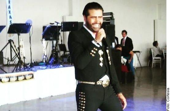 Alejandro Fernández sostiene que el nombre de 'Simi Potrillo' (foto) genera confusión en el público.