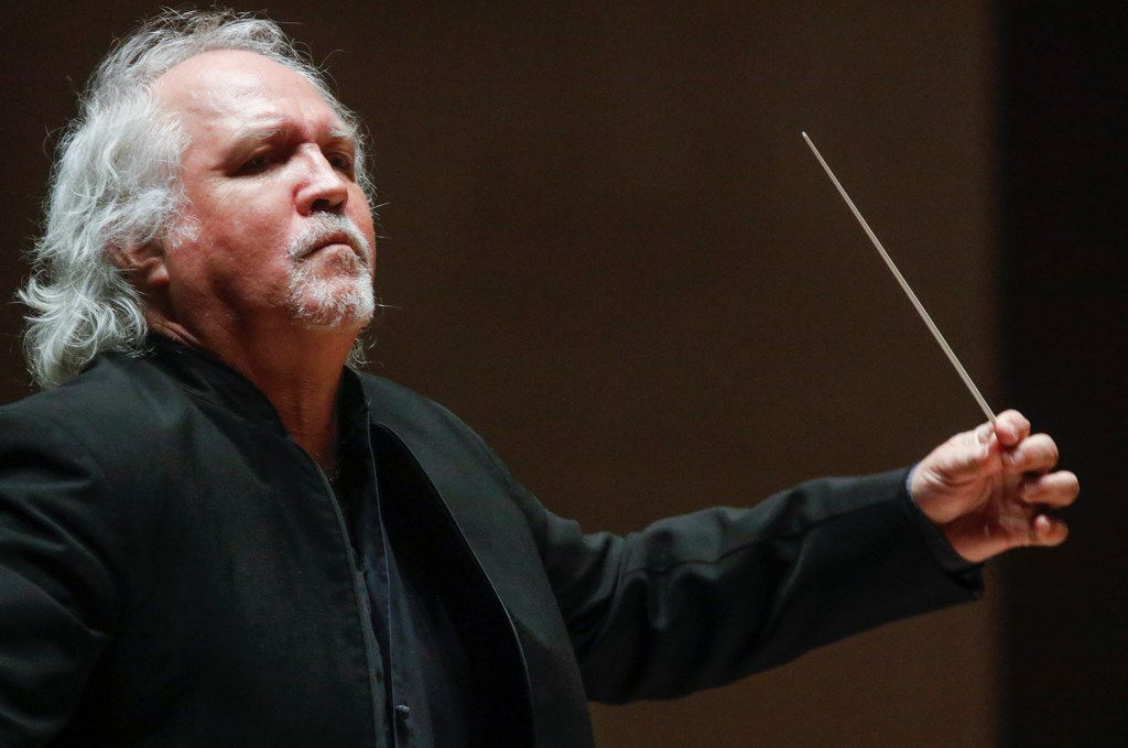 Guest conductor Donald Runnicles leads the Dallas Symphony Orchestra through Beethoven Overture to Fidelio, Op. 72 Thursday.