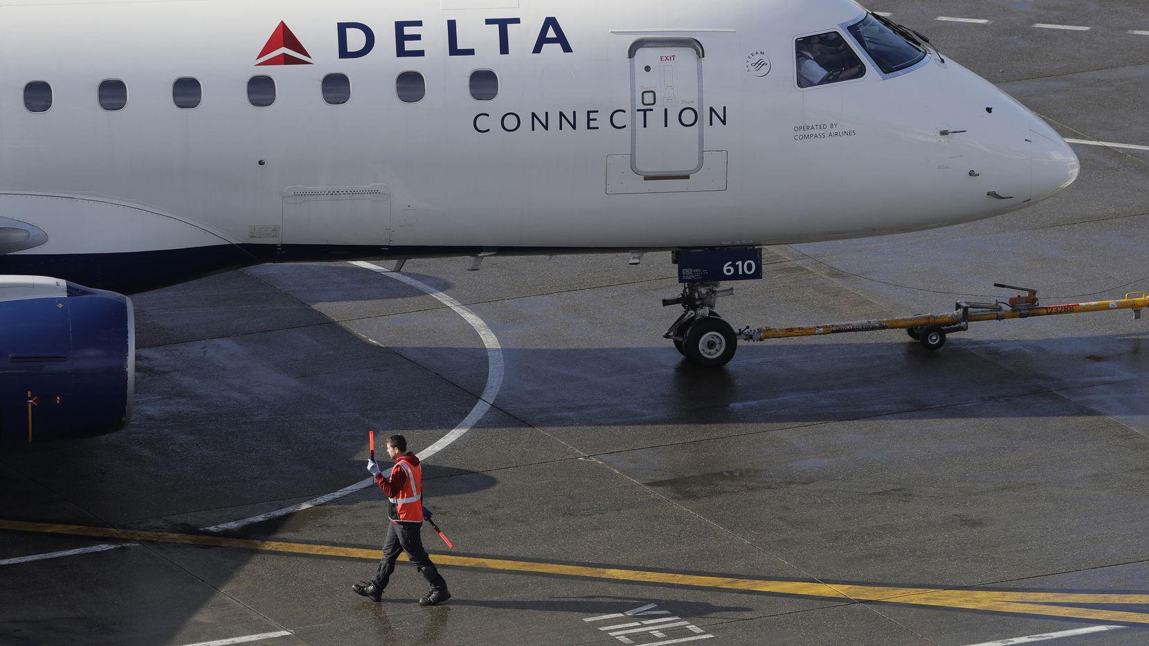 Una mujer dio a luz a un bebé en pleno vuelo desde Salt Lake City a Hawaii.