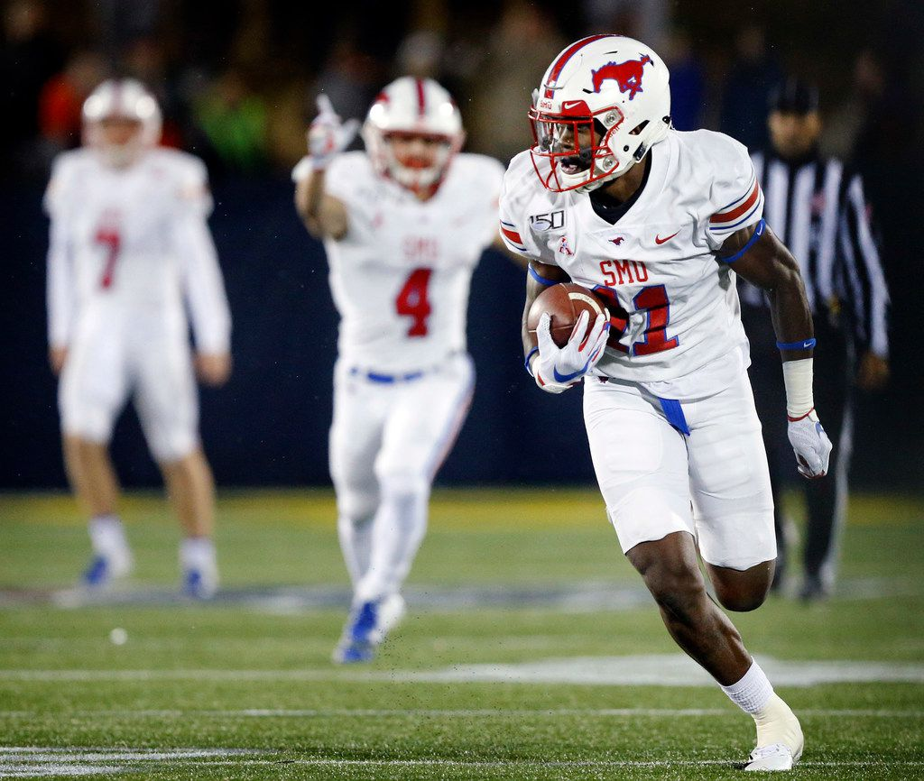 Southern Methodist Mustangs wide receiver Rashee Rice (11) breaks away for a long touchdown run in the fourth quarter against the Navy Midshipmen at Navy-Marine Corps Memorial Stadium in Annapolis, Maryland, Saturday, November 23, 2019. (Tom Fox/The Dallas Morning News)