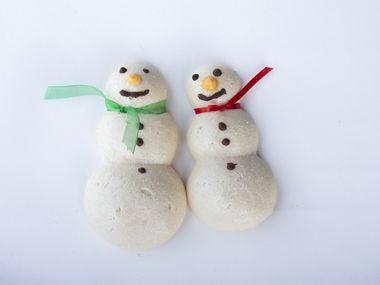 Les biscuits bonhomme de neige meringués de Phyllis Bustillos ont remporté la troisième place dans la catégorie des régimes spéciaux du 24e concours annuel de biscuits de Noël