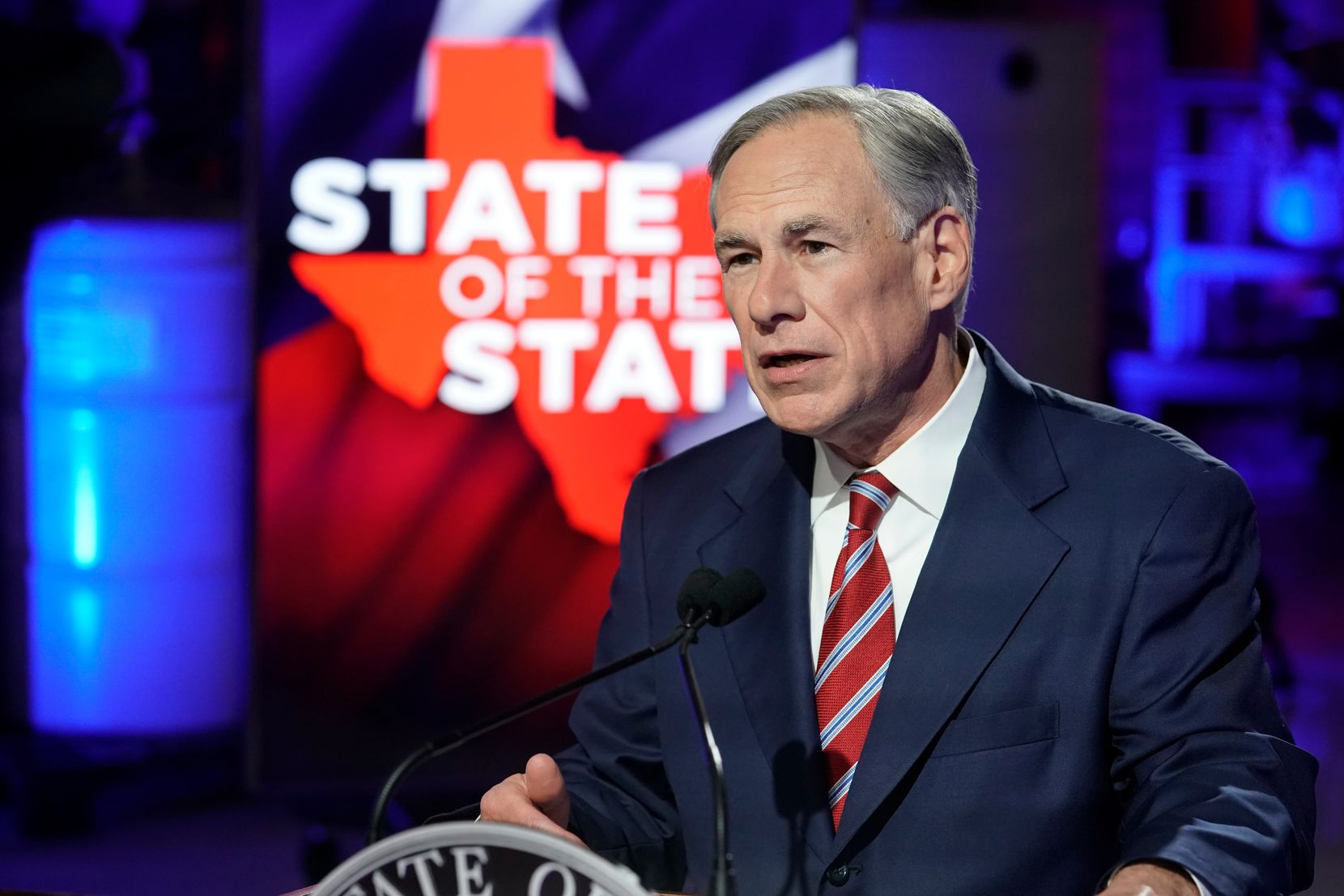 Gov. Greg Abbott prepared to deliver his State of the State speech at Visionary Fiber Technologies outside Lockhart on Feb. 1.