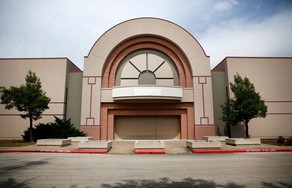 Exterior of Southwest Center Mall in Dallas.