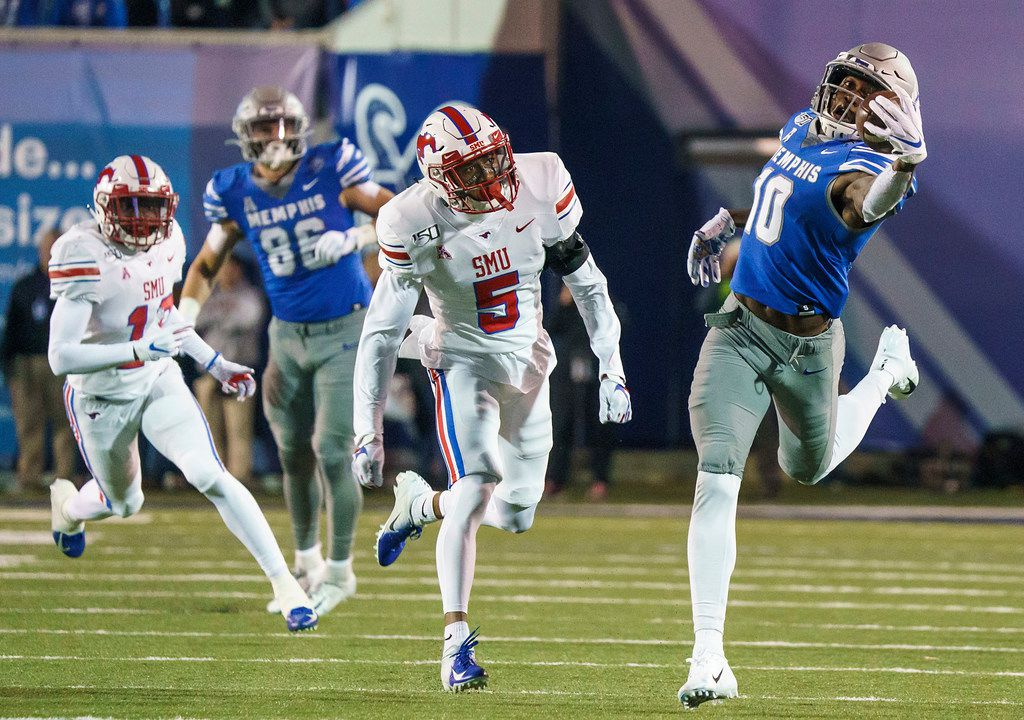 Memphis wide receiver Damonte Coxie (10) makes a one-handed catch past SMU cornerback Ar'mani Johnson (5) during the first half of an NCAA football game at Liberty Bowl Memorial Stadium on Saturday, Nov. 2, 2019, in Memphis, Tenn. (Smiley N. Pool/The Dallas Morning News)