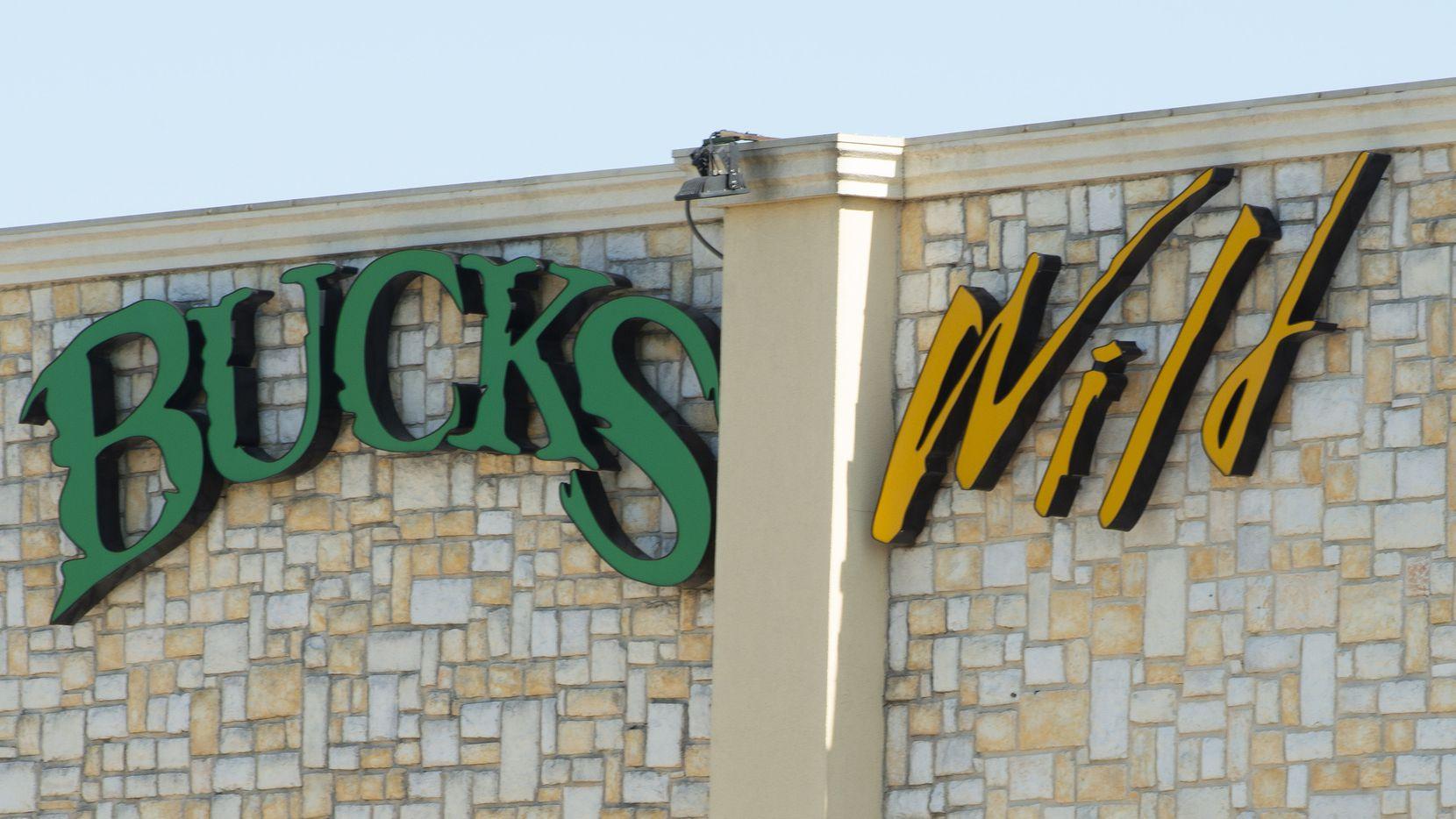 Bucks Wild en Fort Worth es un strip club en Fort Worth.