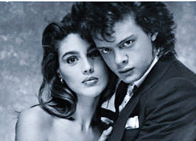 """Claudia Heinze (foto) apareció en el video de """"Cuando Calienta el Sol"""", de Luis Miguel."""