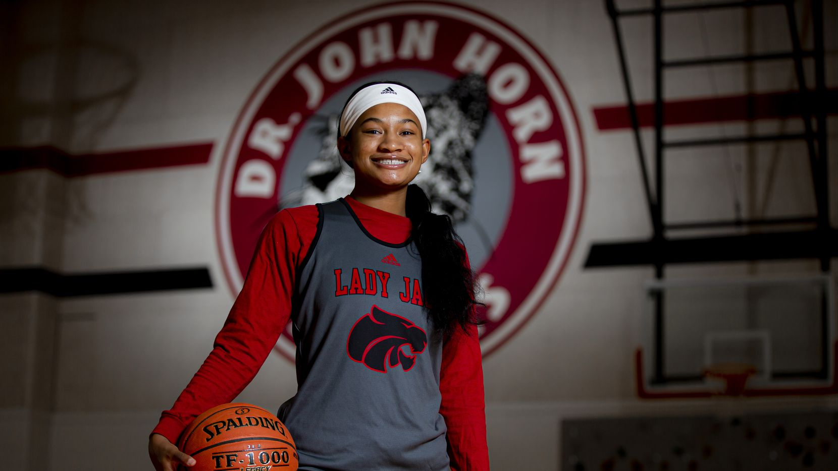 Senior point guard Jasmine Shavers poses for a photo at Mesquite Horn High School in Mesquite, Wednesday, November 4, 2020.