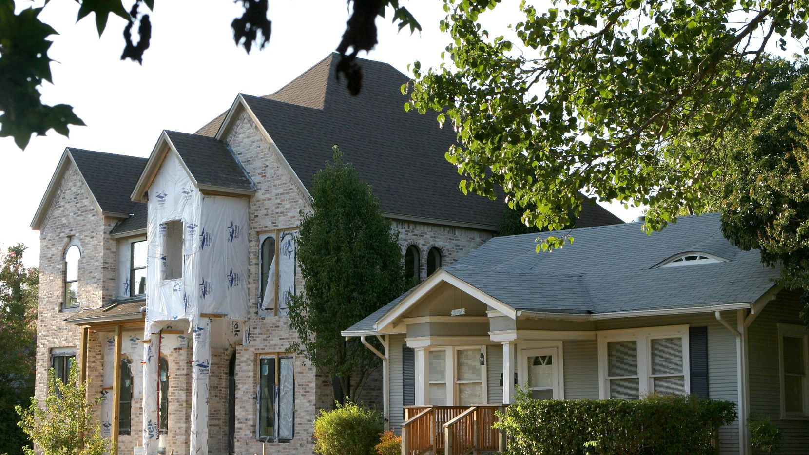 Almost 40 percent of the houses for sale in the Dallas area are more than 3,000 square feet.