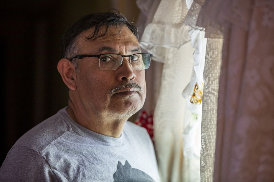 Diego Córdoba es el único sustento de su familia, pues su esposa está discapacitada. No sabe cómo pagará su renta en los próximos meses.