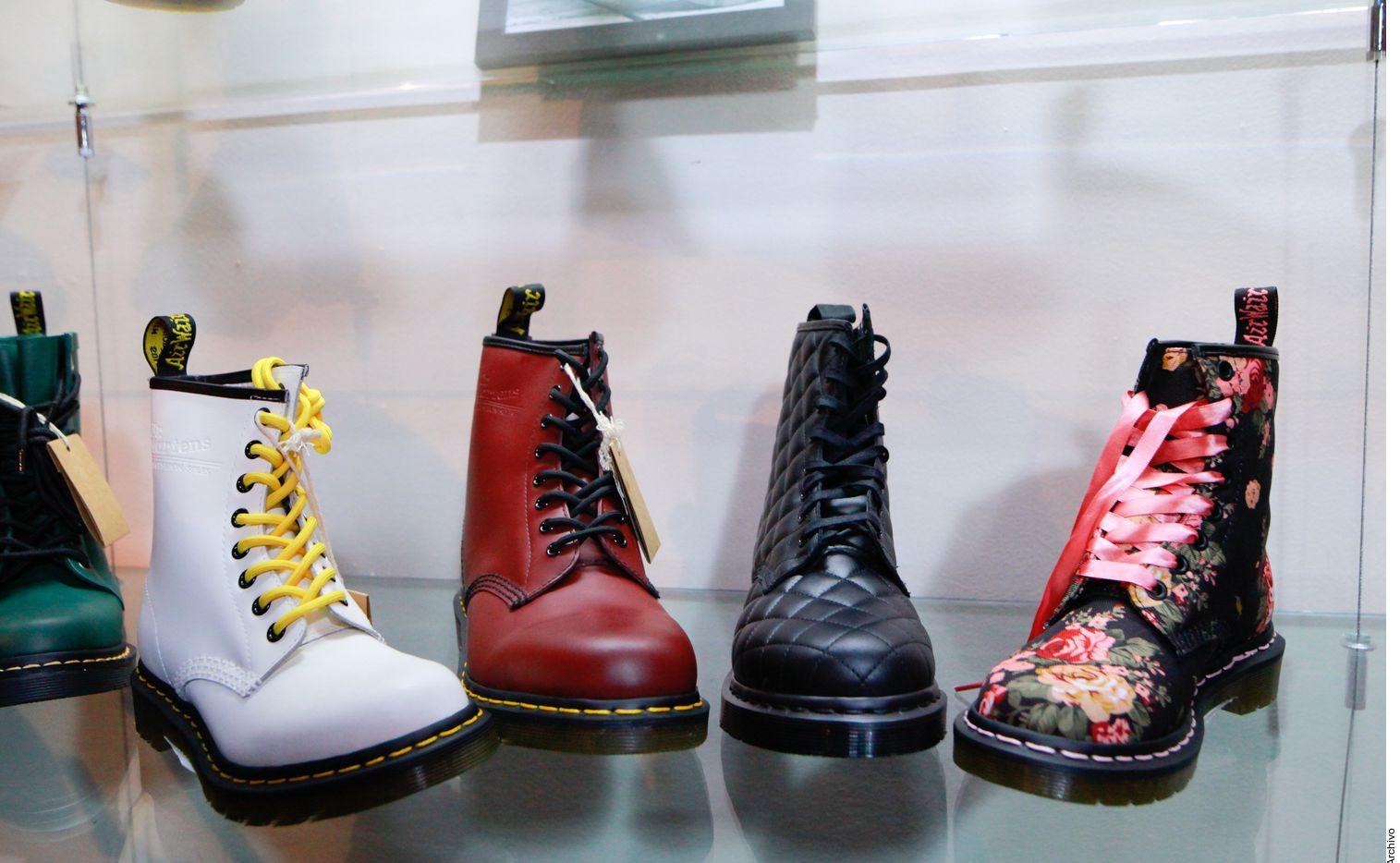 Las botas estilo militar no pueden faltar en tu clóset.