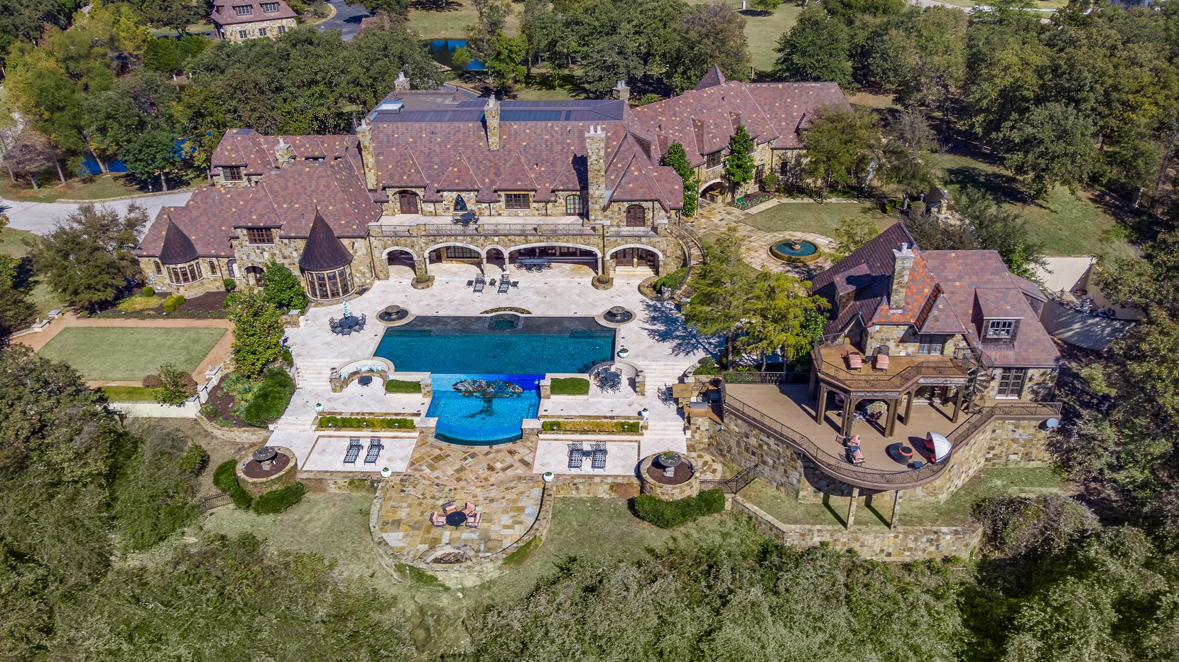 A look at the property at 1808 Point De Vue Drive in Flower Mound.