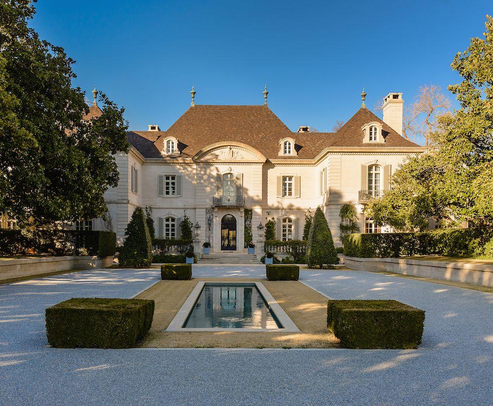 Moayedi bid $36.2 million for the 25-acre former Hicks estate.