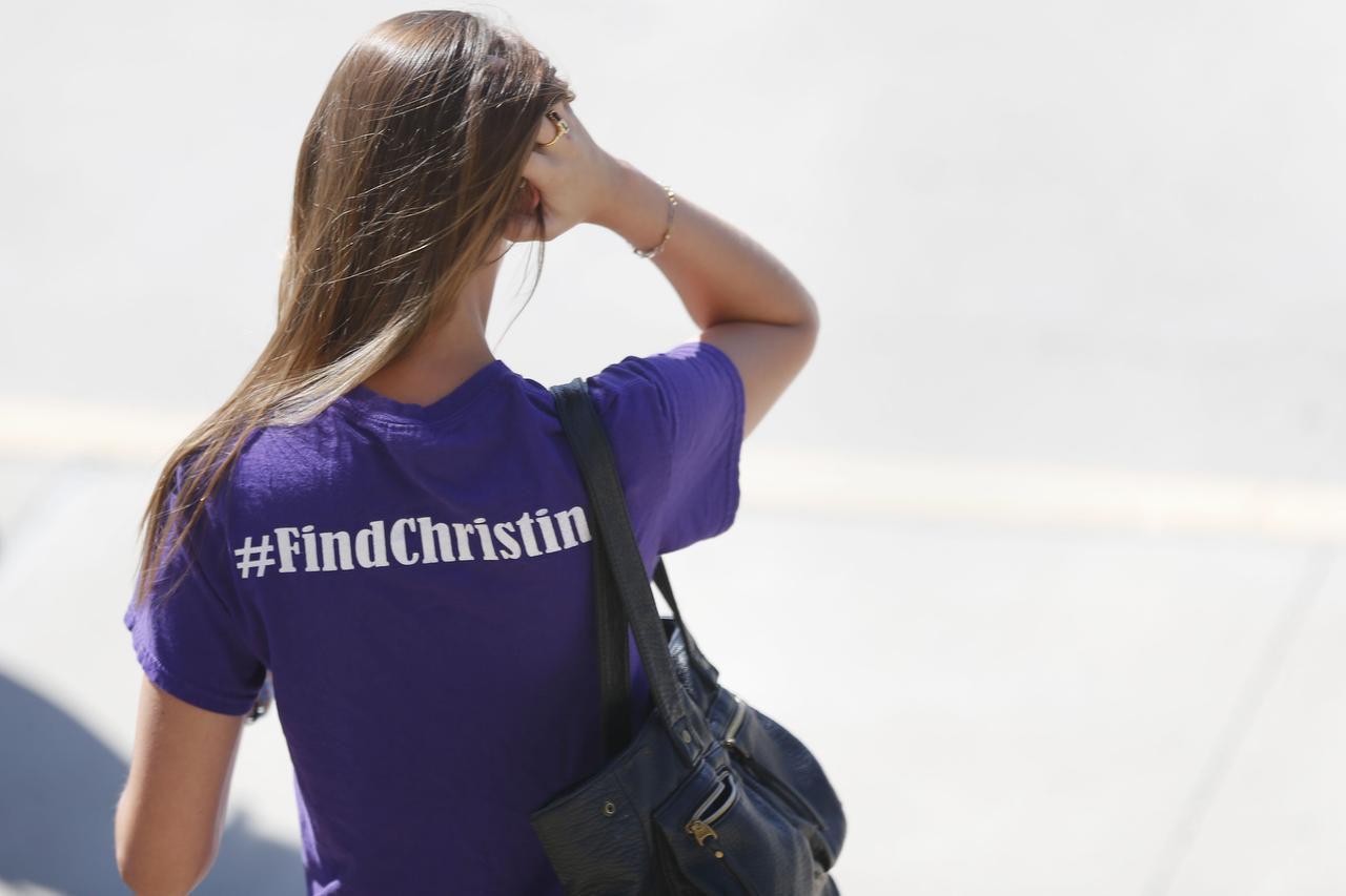 Los amigos de Christina Morris se reúnen todos los domingos para buscarla. ANDY JACOBSOHN/DMN