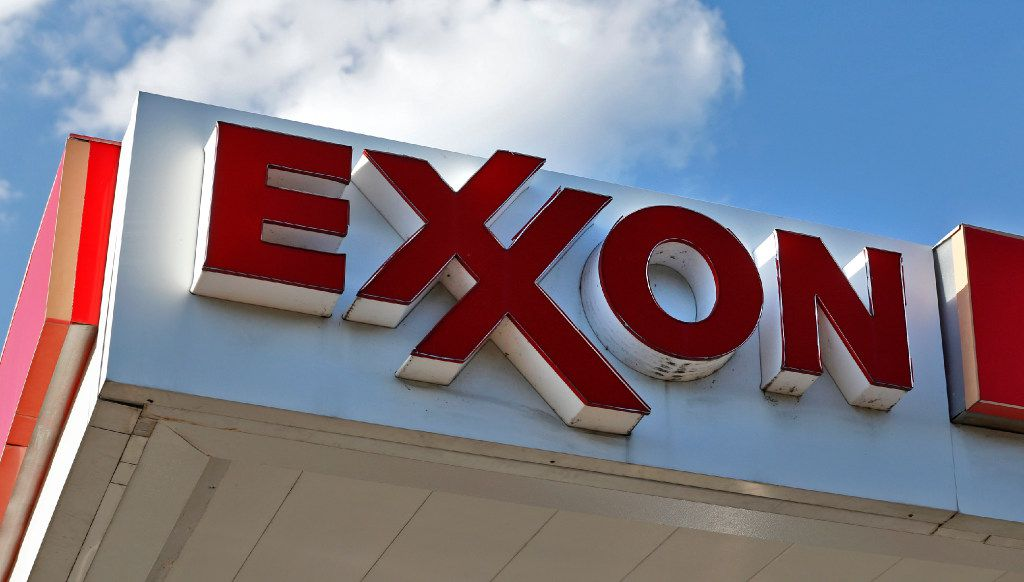 An Exxon sign at the store on the corner of Hampton Rd. and Fort Worth Ave. in Dallas on October 28, 2016.  (Nathan Hunsinger/The Dallas Morning News)