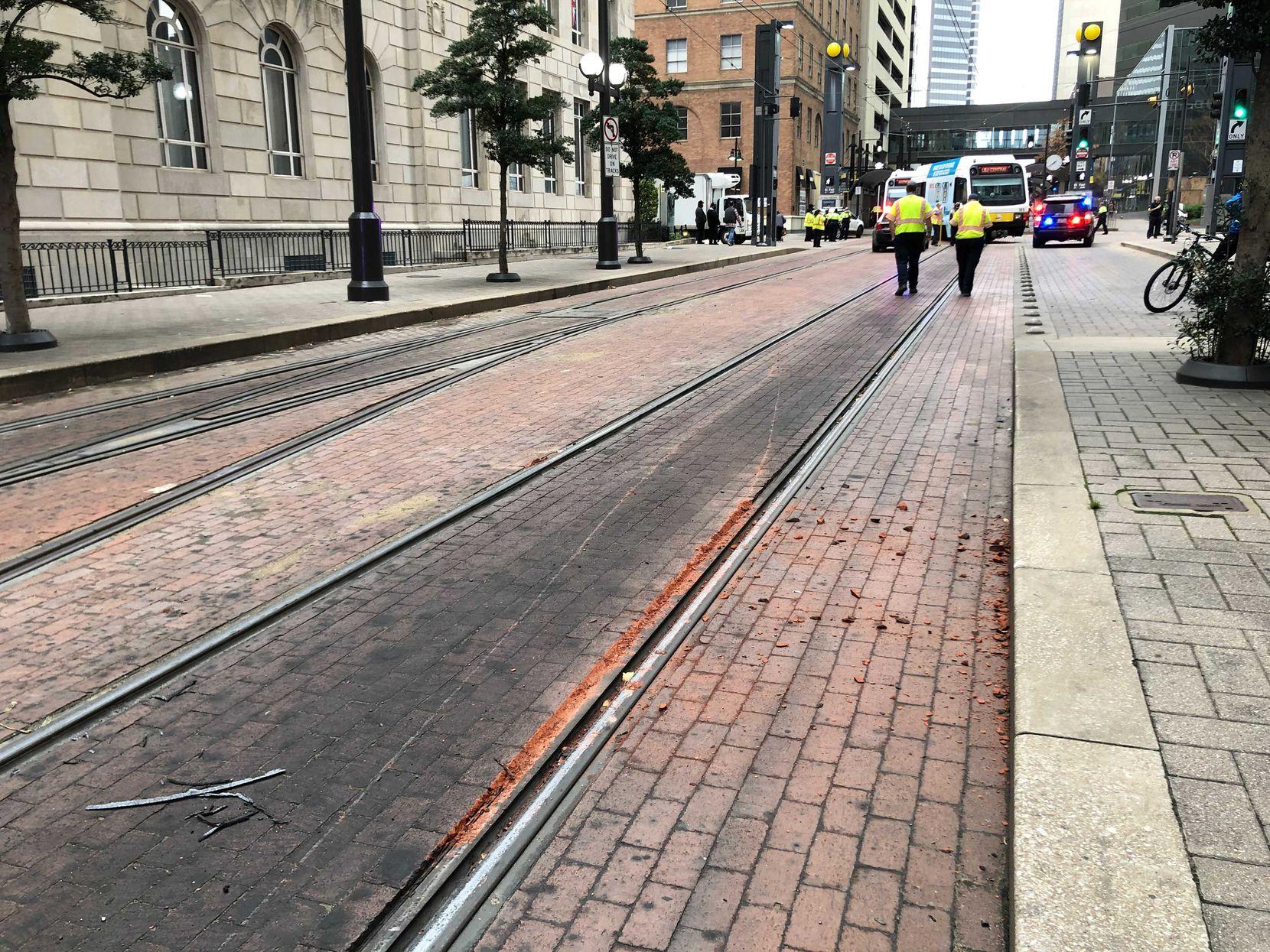 Descarrilamiento de un tren DART en St. Paul Station de Dallas.