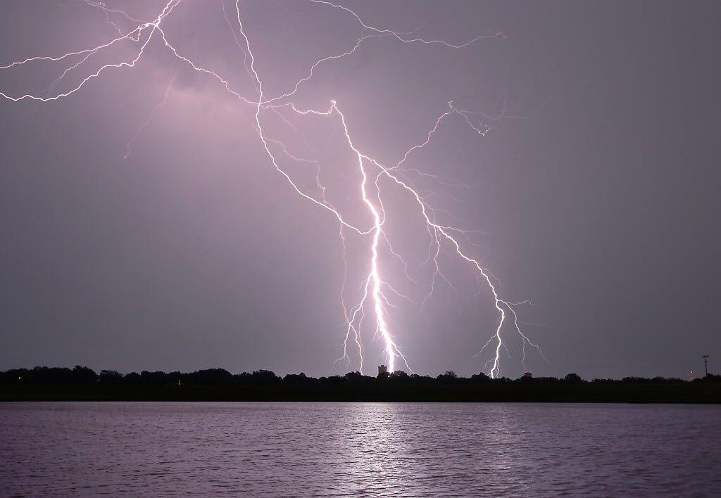 Las tormentas continuarán en el Norte de Texas.