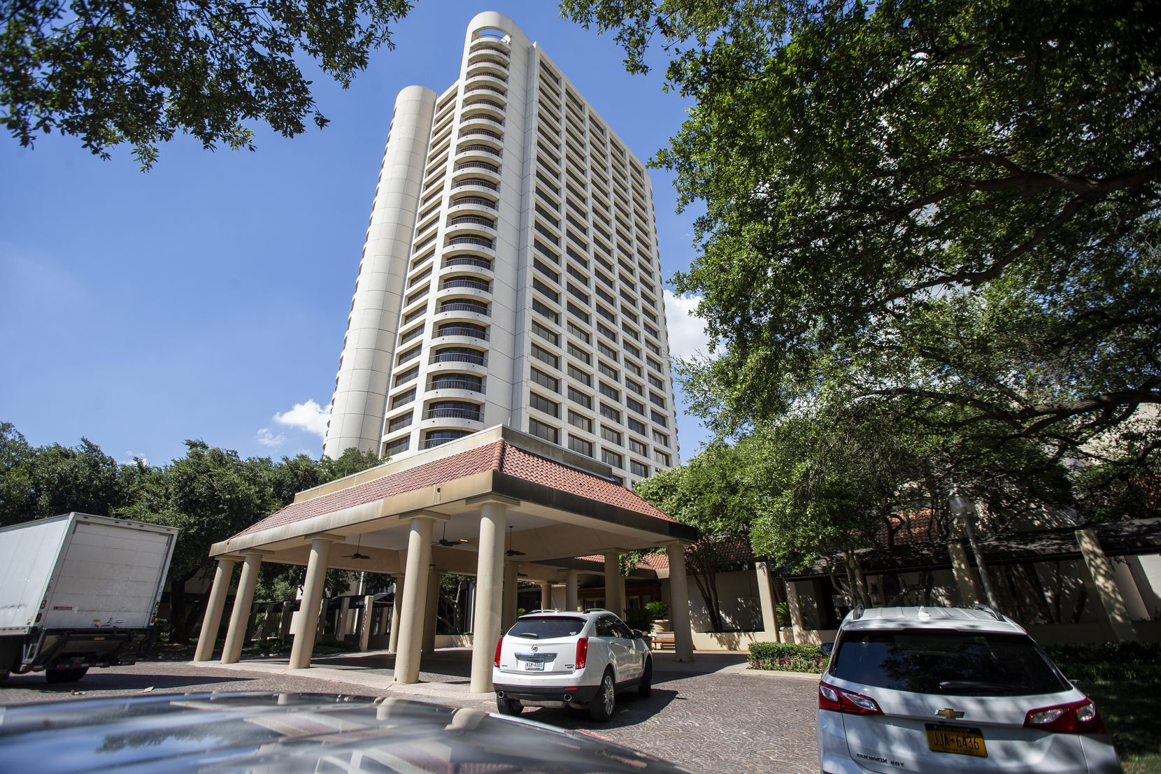 The 421-room Omni Las Colinas Hotel (formerly Omni Mandalay Hotel at Las Colinas), owned by Rowling's TRT Holdings, has implemented COVID-19 safety measures since reopening.