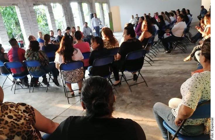 En Xico, Veracruz, más de un centenar de personas se reunieron este fin de semana, convocados por su alcaldesa.