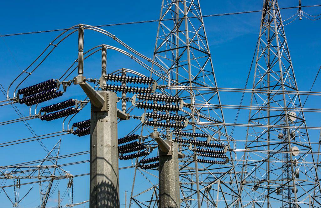 Torres de la red eléctrica en Buttonvwillow, California.