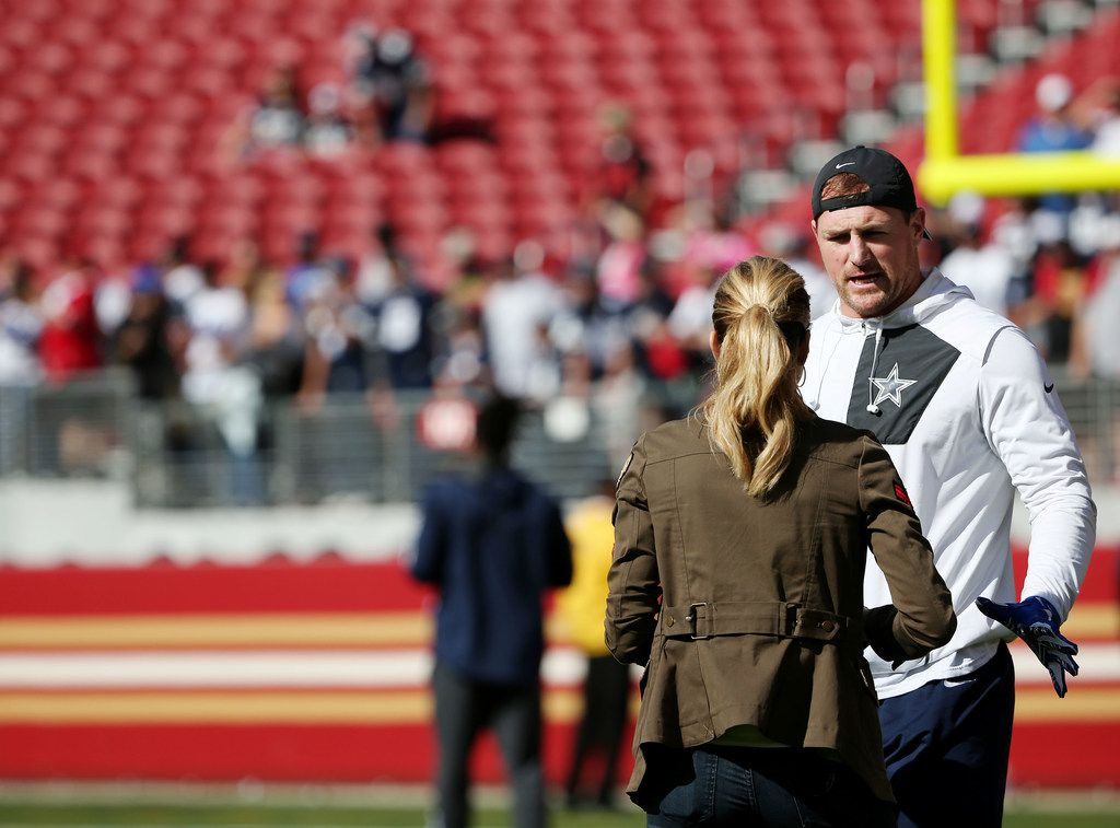 Dallas Cowboys tight end Jason Witten (82) speaks with broadcaster Erin Andrews before a National Football League game between the Dallas Cowboys and the San Francisco 49ers at Levi's Stadium in Santa Clara, California Sunday October 22, 2017. (Andy Jacobsohn/The Dallas Morning News)