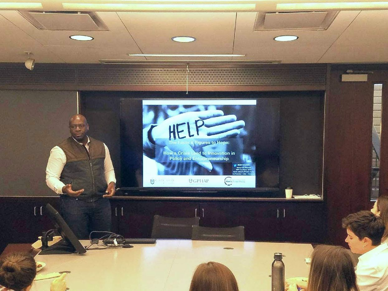 James Lott speaks to students in the University of Chicago Law School's Food and Drug Law Society