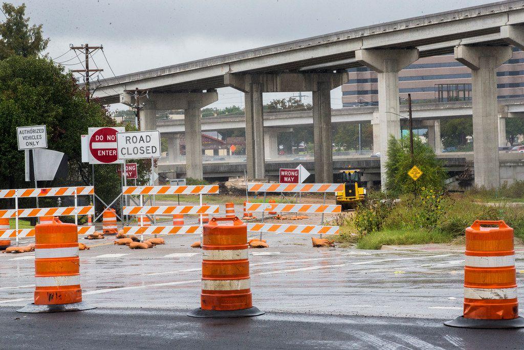 El Departamento de Transporte de Texas anunció que habrá cierres en la carretera I-30 en Arlington a partir del viernes por la tarde. Durante ese periodo quitarán el puente de SH 360.