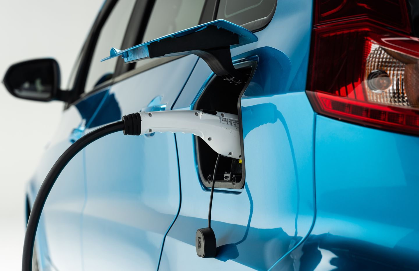 Kandi America is moving its headquarters from Garland to a high-profile Dallas intersection as it seeks to introduce Chinese-made electric cars in the U.S.