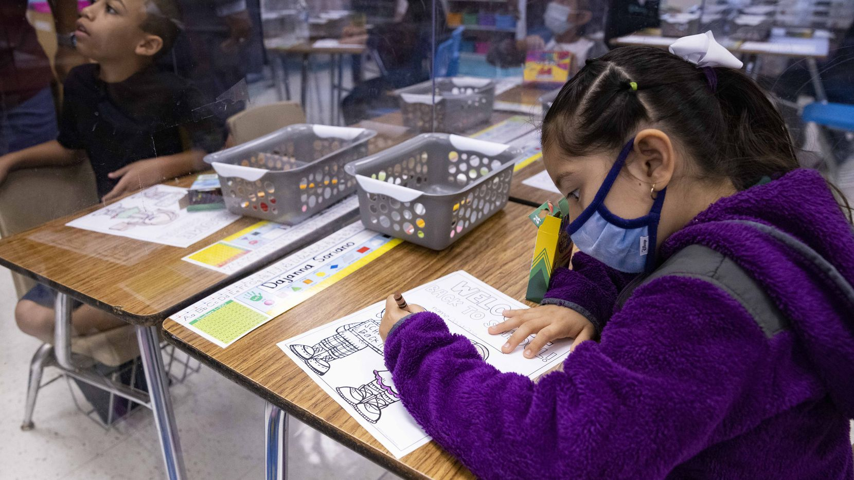 Los alumnos con una prueba positiva de covid-19 podrán tener instrucción en línea por hasta 20 días.