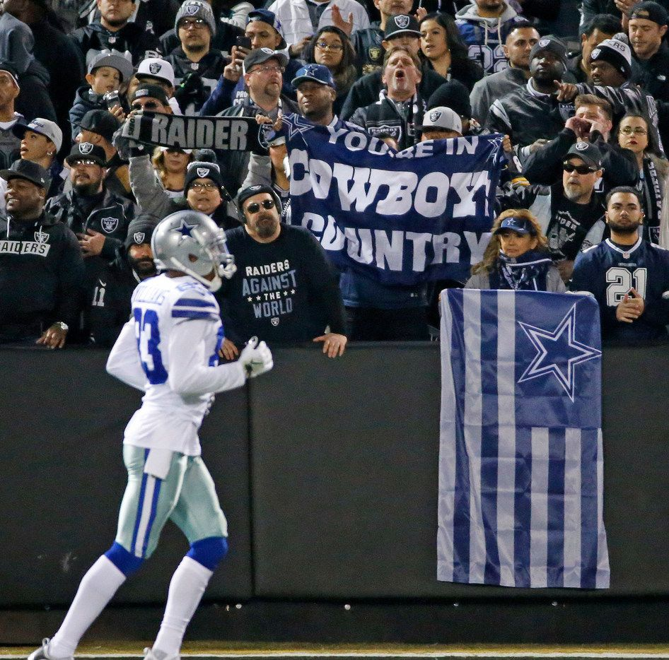Cowboys fans cheer for their team during the Dallas Cowboys vs. the Oakland Raiders NFL football game at the Oakland-Alameda County Stadium in Oakland, California on Sunday, December 17, 2017. (Louis DeLuca/The Dallas Morning News)