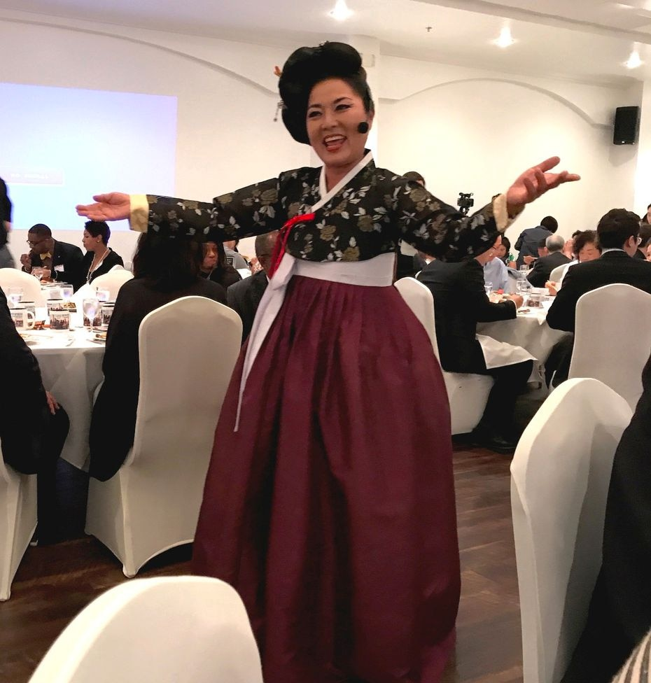 MiMi K. Shin performed at the Korean American Coalition DFW Chapter dinner at Sura in Dallas.