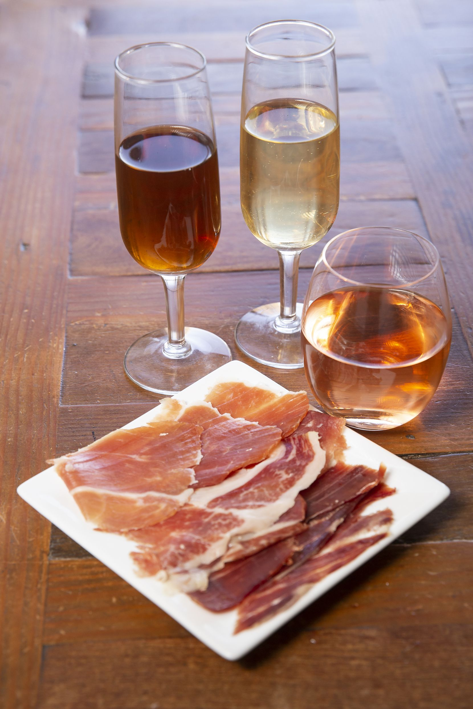 The Dallas Morning News Wine Panel tasted various wines to go with jamón ibérico from Enrique Tomas.